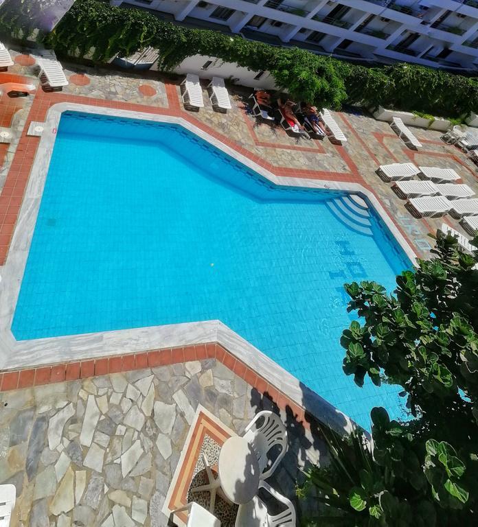 hotel swimming pool in hersonissos