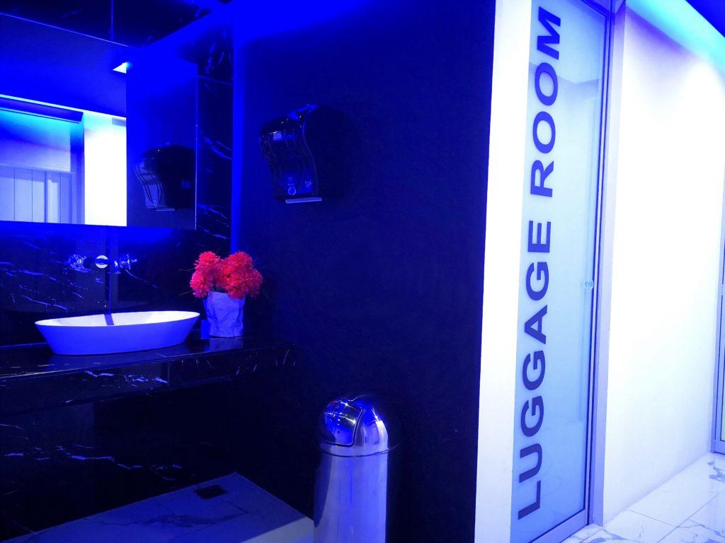 Thalia deco hotel luggage room
